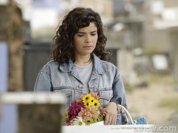 Eliane presta homenagem ao falecido marido