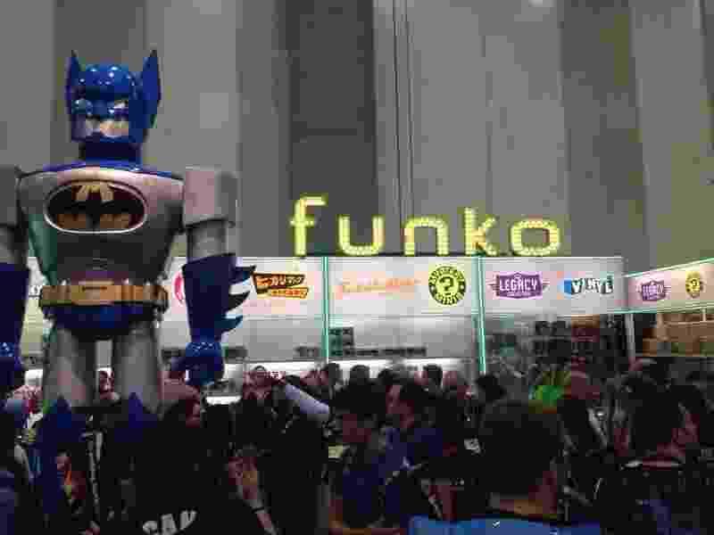 23.jul.2014 - Fãs se amontoam para comprar os bonequinhos Funko na Comic-Con 2014 - james Cimino/UOL