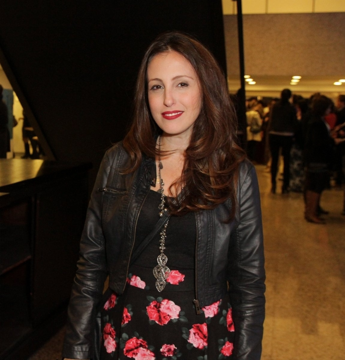 24.jul.2014 - Luana Martau prestigiou a estreia da peça