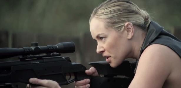 """Kristanna Loken em cena de """"Mercenaries"""" - Reprodução"""