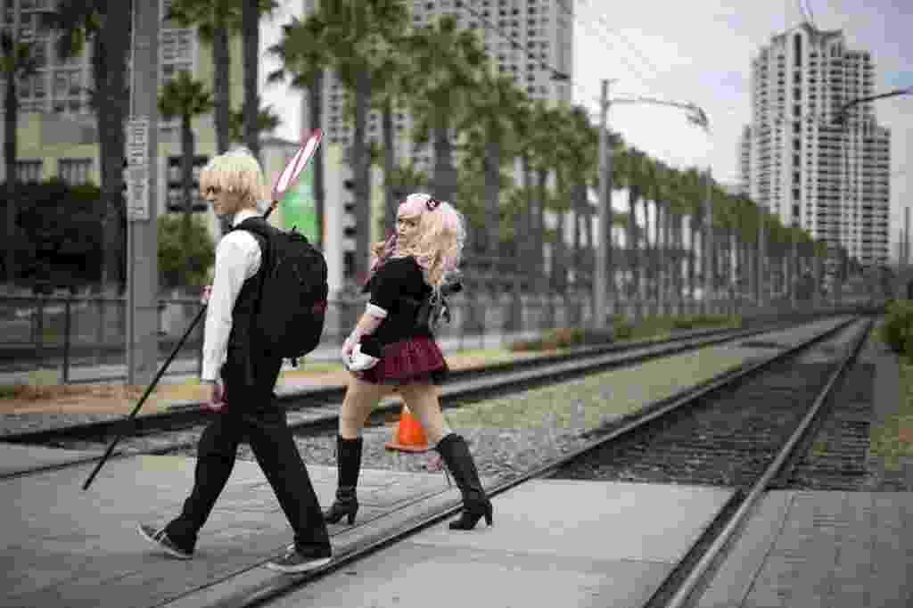 24.jul.2014 - Casal de cosplay chega no centro de convenções da San Diego Comic-Con 2014 - Mario Anzuoni/Reuters