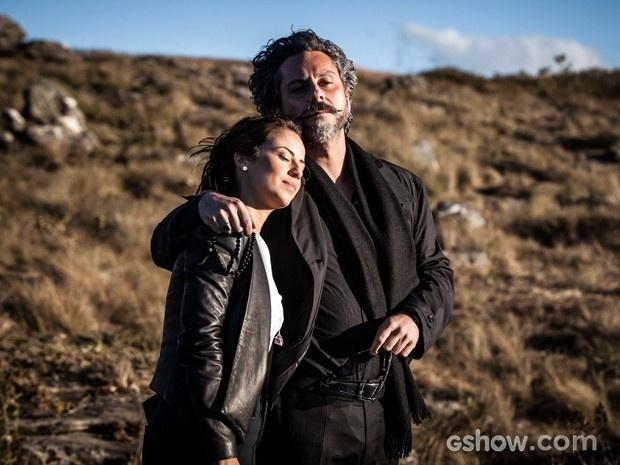 José Alfredo e a filha admiram a paisagem do Monte Roraima