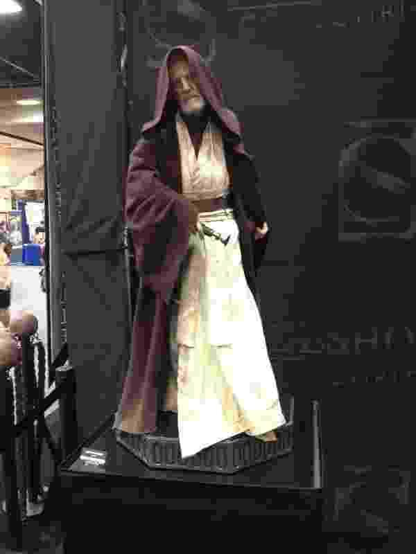 """A estátua de Obi Wan Kenobi (""""Star Wars"""") chama a atenção dos fãs pela fidelidade e pelo preço: US$ 1.999 - James Cimino/UOL"""