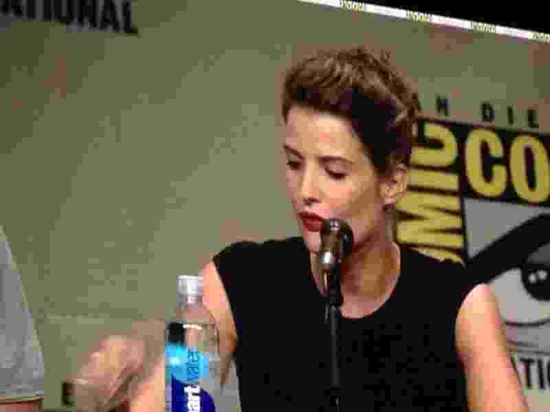 """26.julho.2014 - Cobey Smulders, que vive a agente Maria Hill em """"Os Vingadores"""", participa do painel da Marvel na Comic-Con - Natalia Engler/UOL"""