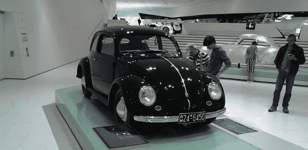Há espaço para carros de outras montadoras no museu, desde que tenham o dedo do fundador da marca no projeto. É caso do Fusca, da parceira de longa data e atual proprietária da Porsche, Volkswagen - Leonardo Felix/UOL - Leonardo Felix/UOL