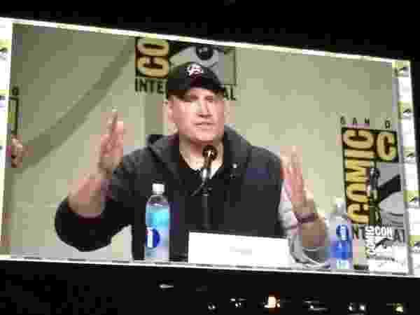"""26.julho.2014 - Produtor Kevin Feige abre o painel da Marvel e avisa: """"vamos nos concentrar em 'Homem Formiga' e 'Vingadores 2'"""". - Reprodução"""