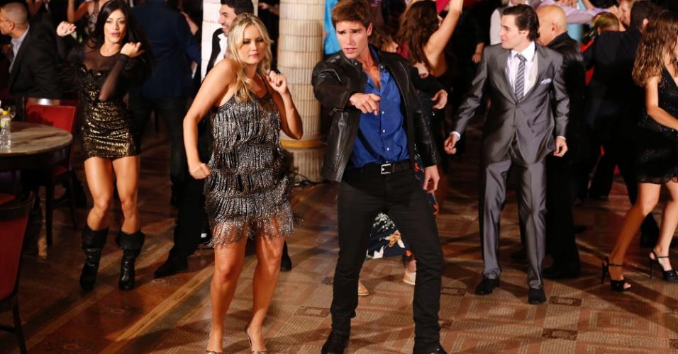 27.jul.2014 - Entrosados, Jonatas Faro e Ellen Roche mostraram que sabem dançar qualquer estilo