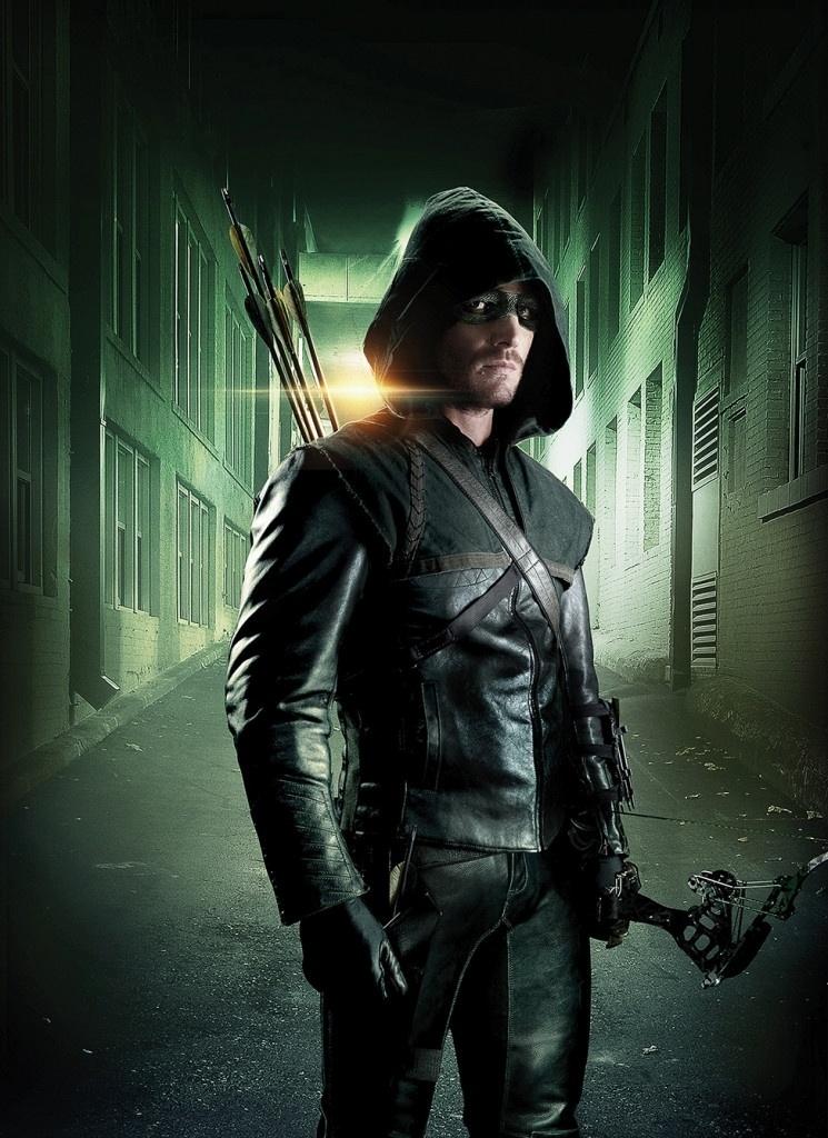 """Stephen Amell como o personagem Oliver Queen na série """"Arrow"""" (""""Arqueiro Verde"""")"""