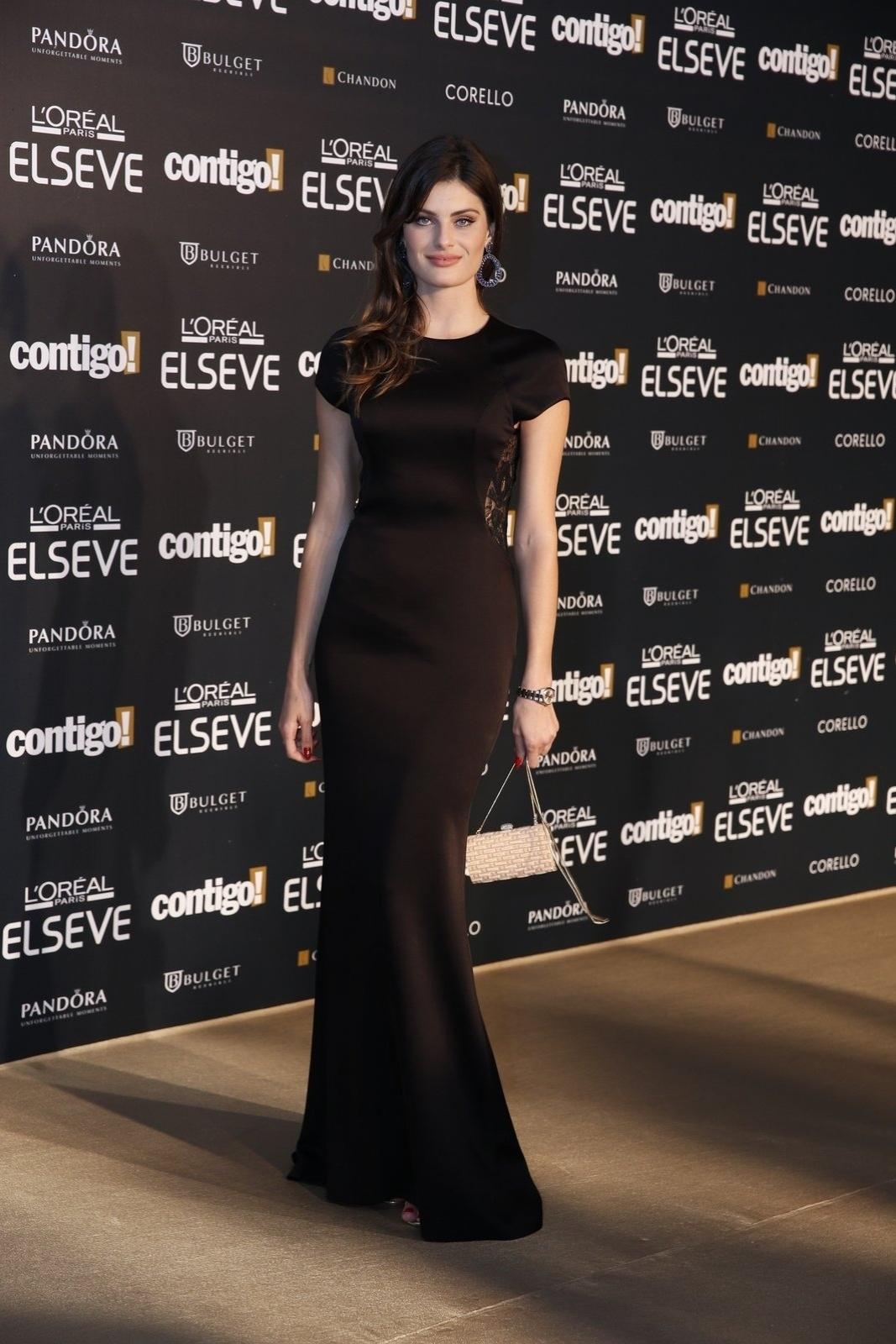 28.jul.2014 - A modelo Isabeli Fontana prestigou a 16ª edição do Prêmio Contigo! de TV, realizado no hotel Copacabana Palace, no Rio