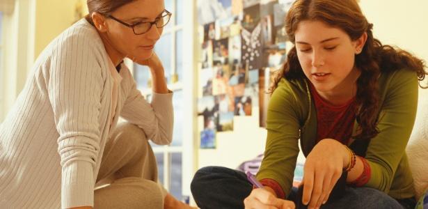 Pais ajudam os filhos no período pré-vestibular dando apoio e fazendo planejamento - Getty Images