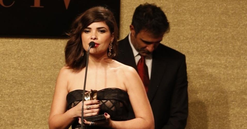 28.jul.2014 - A atriz Vanessa Giácomo, vencedora na categoria Melhor Atriz de Novela, na 16ª edição do Prêmio Contigo! de TV, realizado no hotel Copacabana Palace, no Rio