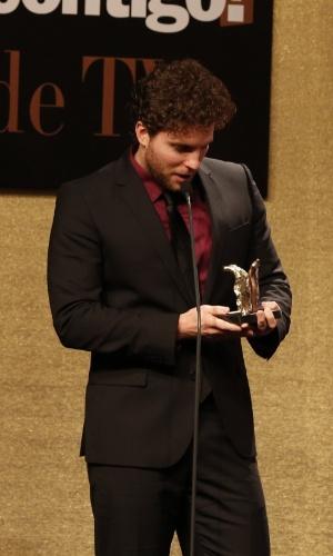 28.jul.2014 - Thiago Fragoso na 16ª edição do Prêmio Contigo! de TV, realizado no hotel Copacabana Palace, no Rio. O ator ganhou o prêmio de Melhor Ator Coadjuvante de novela