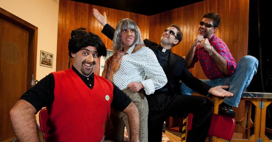 28.mar.2013 - Os humoristas Felipe Torres (Boça), Marco Antonio Alves (Vo Lurdes), Fausto Fanti (Padre Gato) e Adriano Silva (Joselito) em 2013, quando o grupo voltou para a MTV