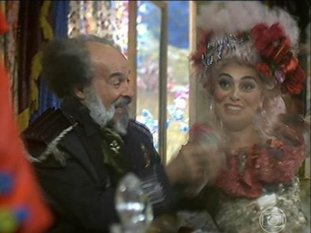 Catarina e Coronel Epa caem na risada com a revelação