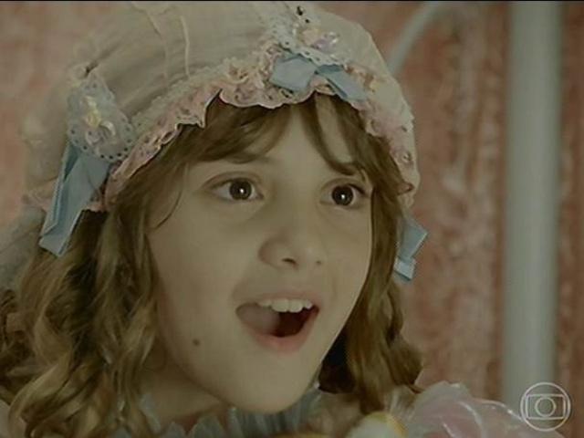 Pituquinha fica surpresa ao saber que Serelepe é seu irmão