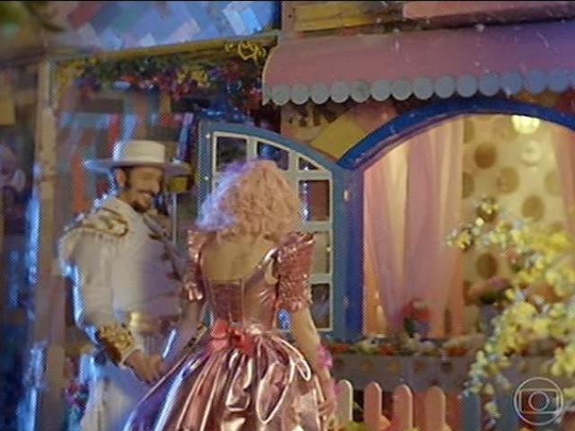 Zelão e Juliana chegam a sua casa depois do casamento