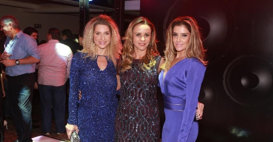 "2.ago.2014 - Letícia Spiller, Giulia Gam e Deborah Secco posam para foto juntas na festa de lançamento da novela ""Boogie Oogie"""