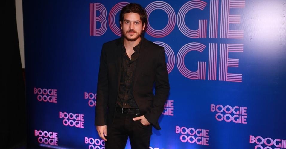2.ago.2014 - O ator Marco Pigossi vai à festa de lançamento da novela Boogie Oogie, no Rio