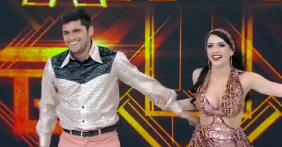 """3.ago.2014 - Famosos dançam ao som do """"Baladão Anos 70"""" na """"Dança dos Famosos""""; Bruno Gissoni entra no ritmo de """"Disco Inferno"""", de The Trammps"""