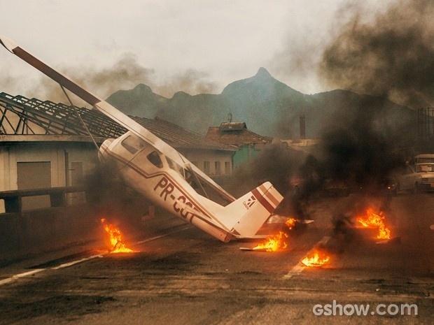 Acidente de avião marca a estreia da novela