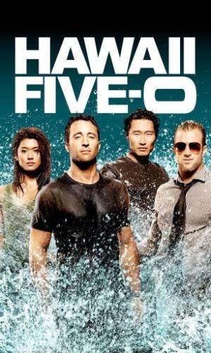 """Produzida pela CBS Studios International, """"Hawaii Five-0"""" retrata a clássica série dos federais de elite da força-tarefa cuja missão é acabar com o crime que se passa nas ilhas ensolaradas do Havaí."""