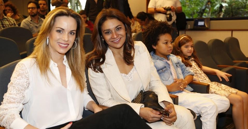 """5.ago.2014 - A apresentadora Ana Furtado e a atriz Dira Paes participam do lançamento do """"Criança Esperança"""", projeto social da Globo"""