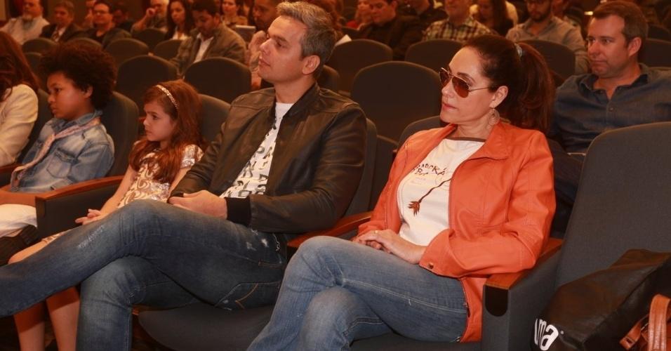 """5.ago.2014 - Chistiane Torloni e Otaviano Costa participam de evento de lançamento do """"Criança Esperança"""""""