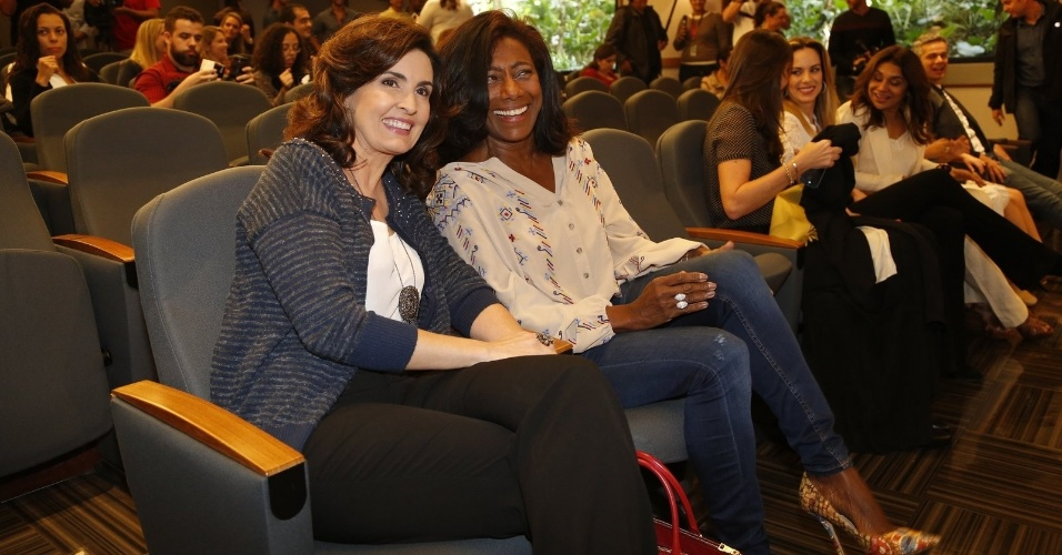 5.ago.2014 - Fátima Bernardes e Gloria Maria participam do lançamento do