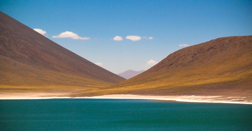 A visita às lagoas altiplânicas de Miscanti e Meñiques deve ser feita pelo menos um dia depois da chegada a San Pedro do Atacama, para dar tempo ao corpo para se habituar a altitude