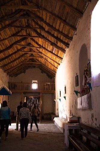 Interior da Igreja de San Francisco, em Chiu Chiu, considerada a mais antiga (e ainda conservada) do Chile