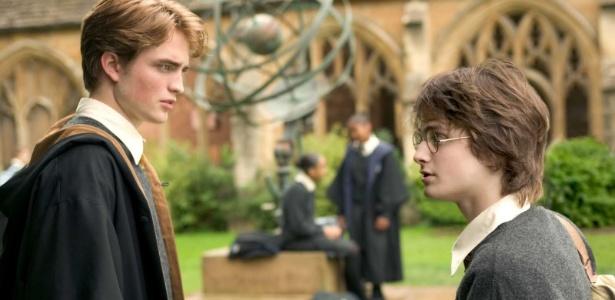 """Robert Pattinson e Daniel Radcliffe em cena de """"Harry Potter e o Cálice de Fogo"""" (2005) - Divulgação"""