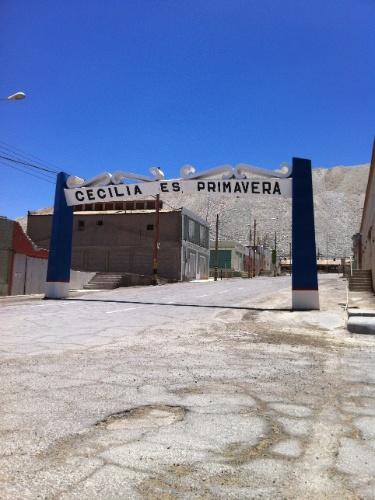 Uma das ruas da cidade que em outros tempos abrigava os funcionários da Mina de Chuquicamata, a maior mina de extração de cobre a céu aberto do mundo