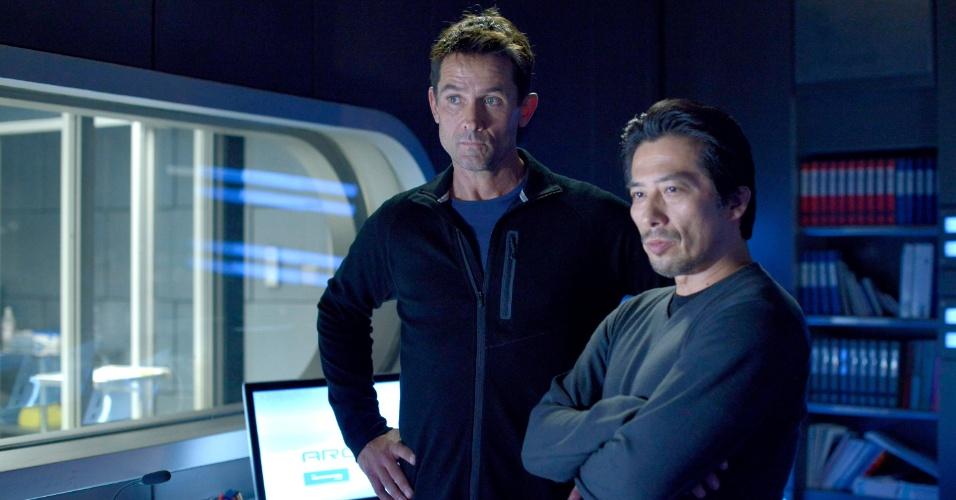 """6.ago.2014 - Ficção científica que narra a história de uma equipe de cientistas, """"Helix"""" tem no elenco os atores Billy Campbell (""""The Killing"""") e Hiroyuki Sanada (""""Lost"""")."""