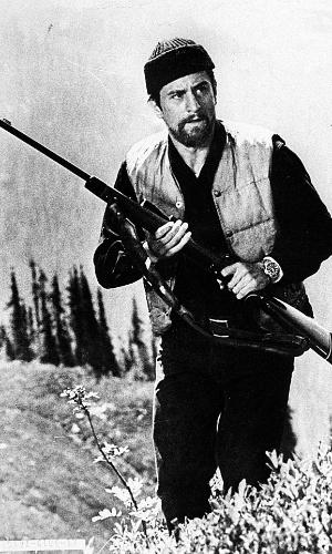 """O ator Robert De Niro em cena de """"O Franco Atirador"""" (1978), filme de Michael Cimino."""