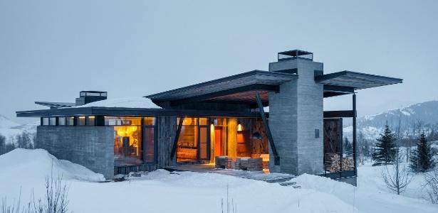 Casa em Wyoming se integra à paisagem e tem varanda aberta ao tempo e à neve - Trevor Tondro/ The New York Times