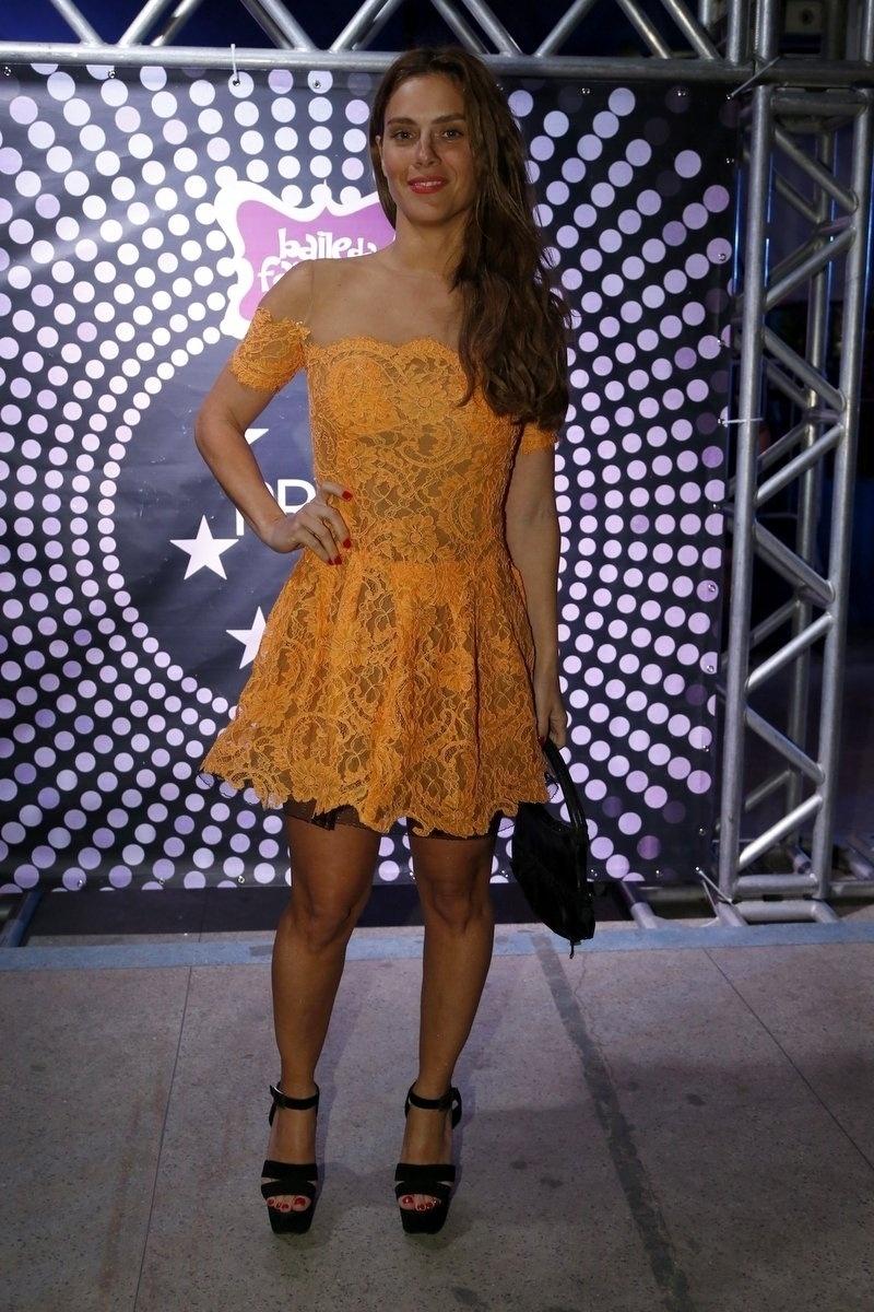 7.ago.2014 - Carolina Dieckmann usou um vestido da estilista Lethicia Bronstein no aniversário de 40 anos da cantora Preta Gil no baile