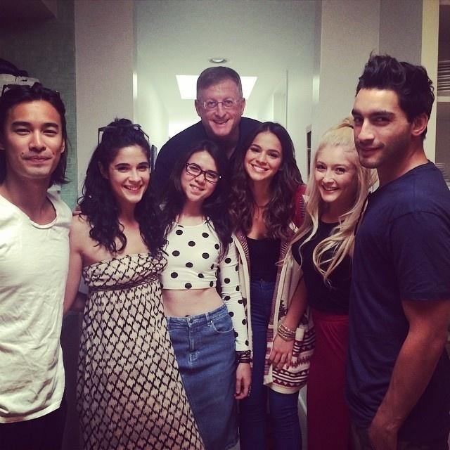 8.ago.2014- Bruna Marquezine conhece o elenco com quem vai trabalhar no filme