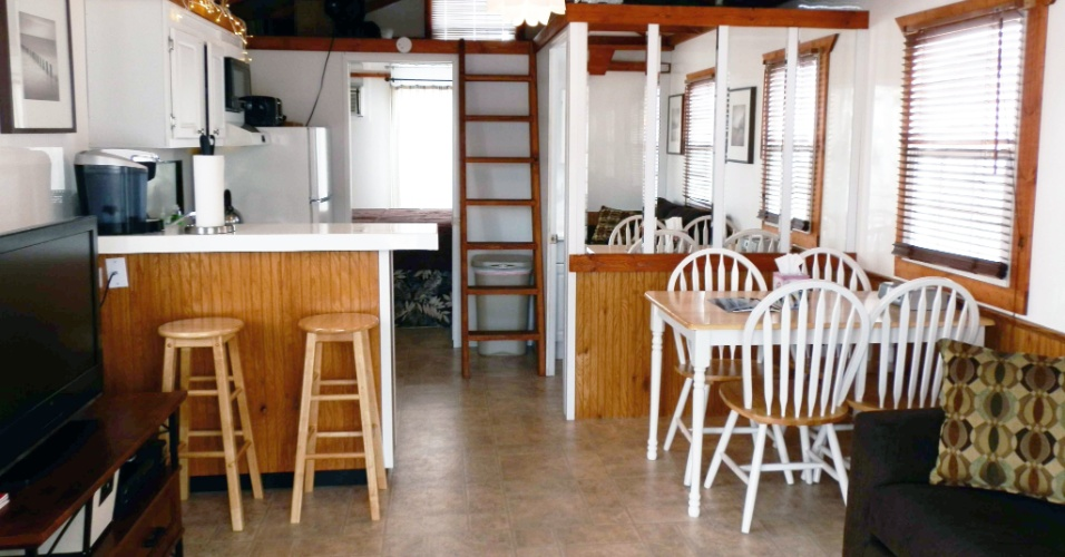 CAPE COD (EUA): A casa flutuante Gemini fica em um iate clube de Cape Cod, no Estado norte-americano de Massachusetts