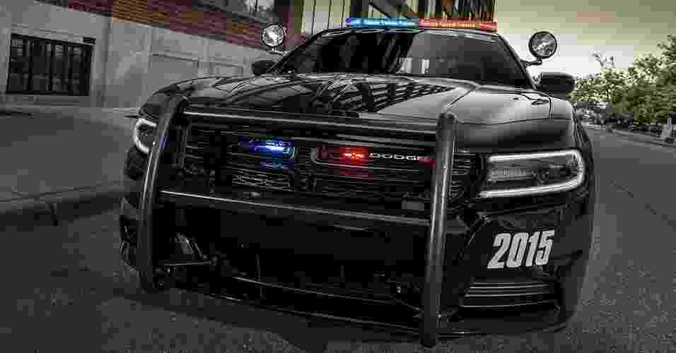 Dodge Charger Pursuit 2015 - Divulgação
