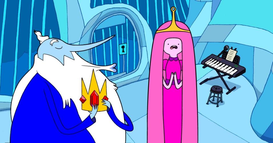"""Em """"Hora de Aventura"""", o Rei Gelado tenta, sem sucesso, conquistar a princesa Jujuba"""