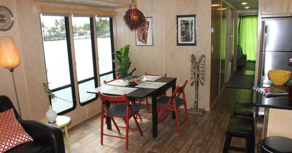 FORT LAUDERDALE (EUA): Interior da casa flutuante de Fort Lauderdale, na Flórida. Para mais informações: www.tripadvisor.com/5019854