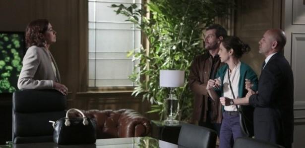 Cora enfrenta Maria Marta e conta passado de José Alfredo