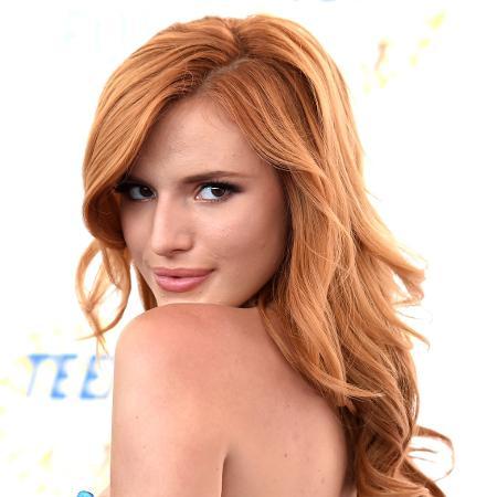 10.ago.2014 - Atriz Bella Thorne chega ao Teen Choice Awards, em Los Angeles (EUA) - Jason Merritt/Getty Images/AFP