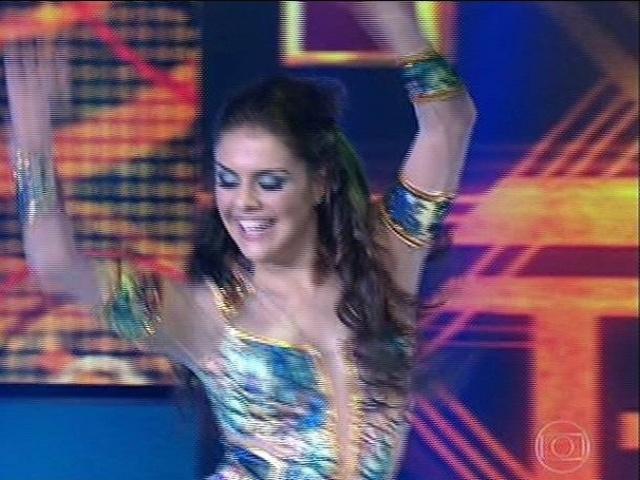 """10.ago.2014 - Paloma Bernardi estreia no quadro """"Dança dos Famosos"""" ao lado do professor Patrick Carvalho"""