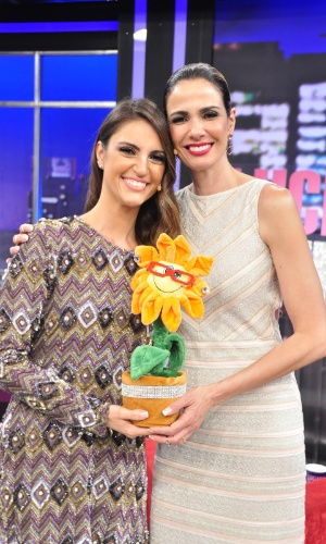 Autorizada pela Record, Chris Flores será a convidada de Luciana Gimenez no programa