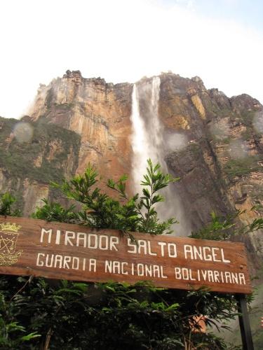 Mirante do Salto Angel. Um dos melhores pontos para apreciar essa maravilha natural