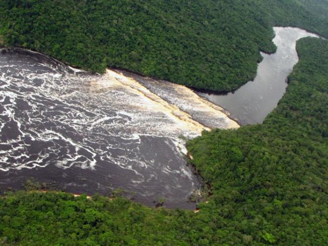 Rio Carrao: o caminho ao Paraíso das Cachoeiras