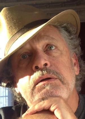 Jeff Lindsay estaria em mesa da Bienal no dia 23 - Reprodução/BienaldoLivro