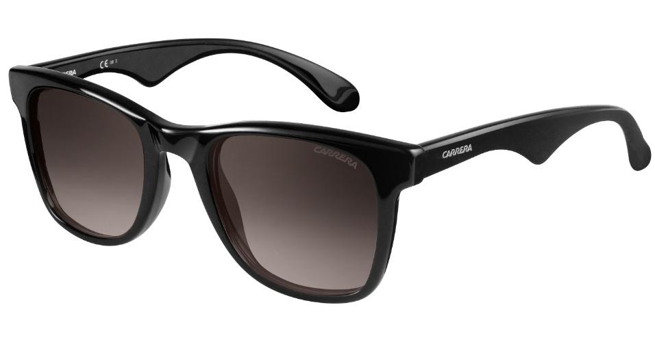 d4745c083 Óculos de sol em acetato preto, modelo 6000LN, da Carrera. Preço: R