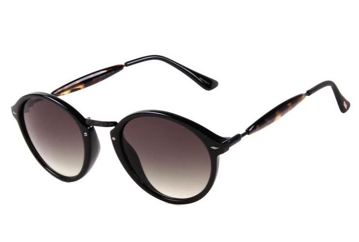 db94f7bcf Óculos redondo de acetado e metal, da Chilli Beans. Preço: R$ 198